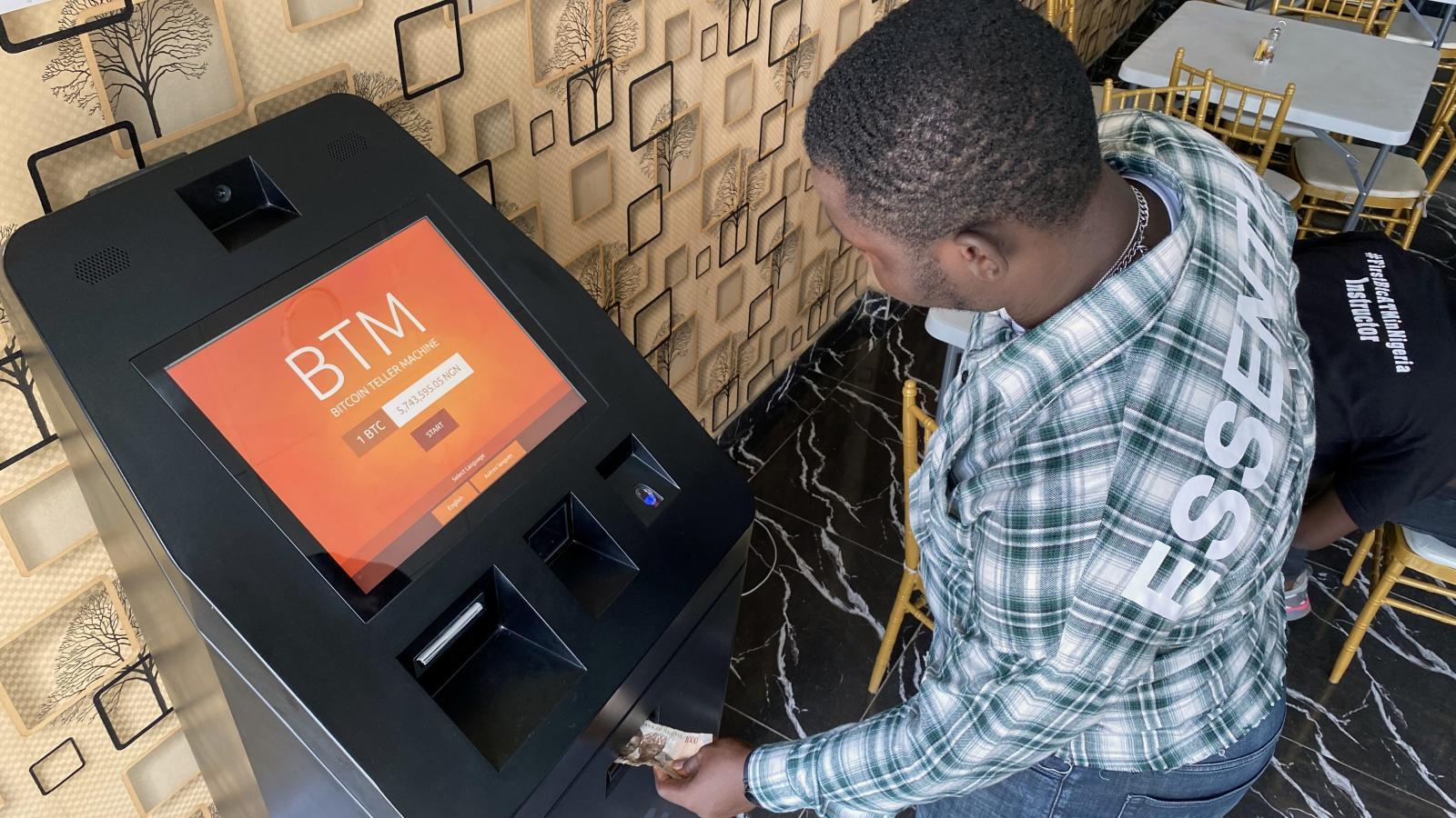 Nigerians Defy Central Bank, Flock to Bitcoin - AZCoin News